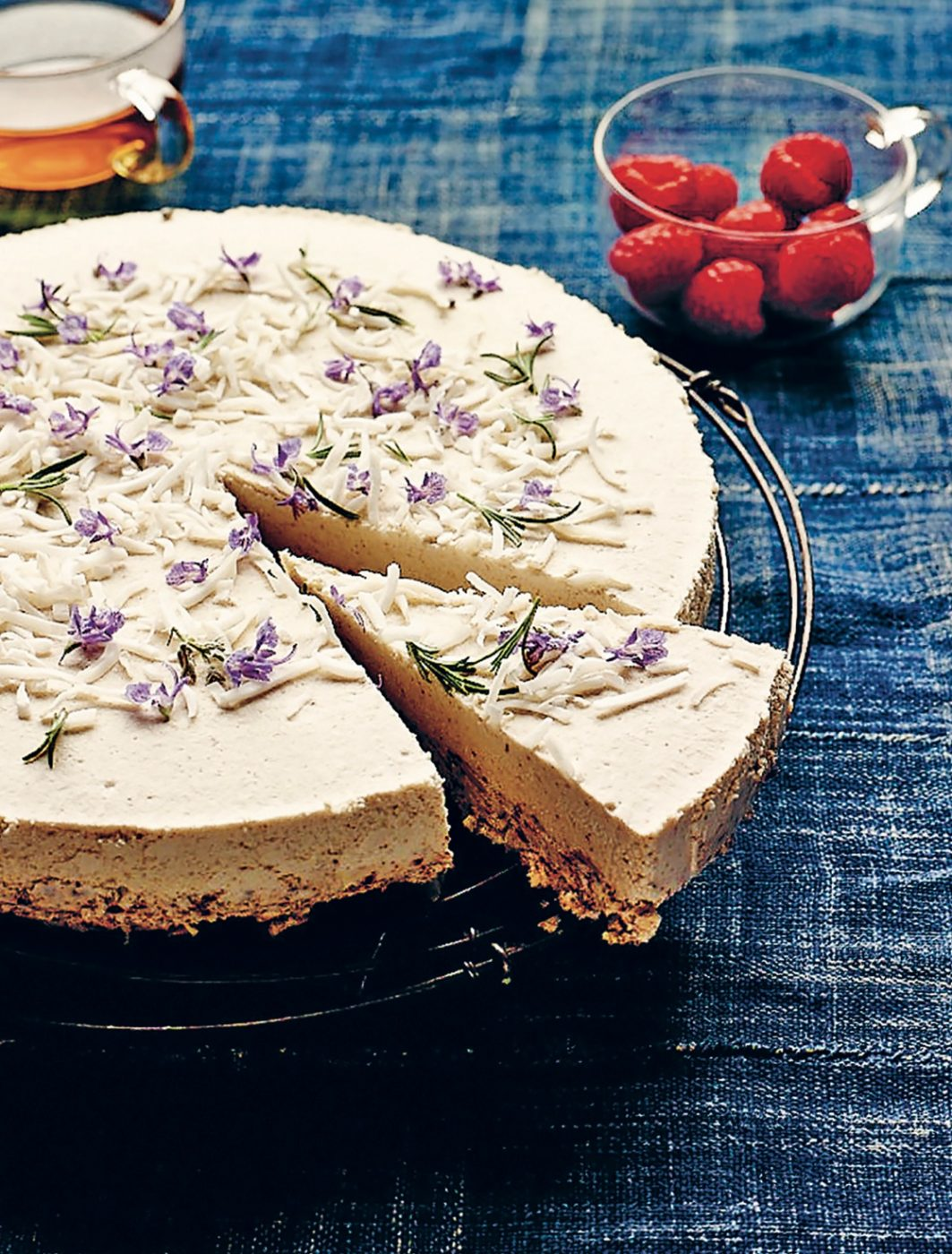 sugarbook_raw_fig_coconut_cake112172